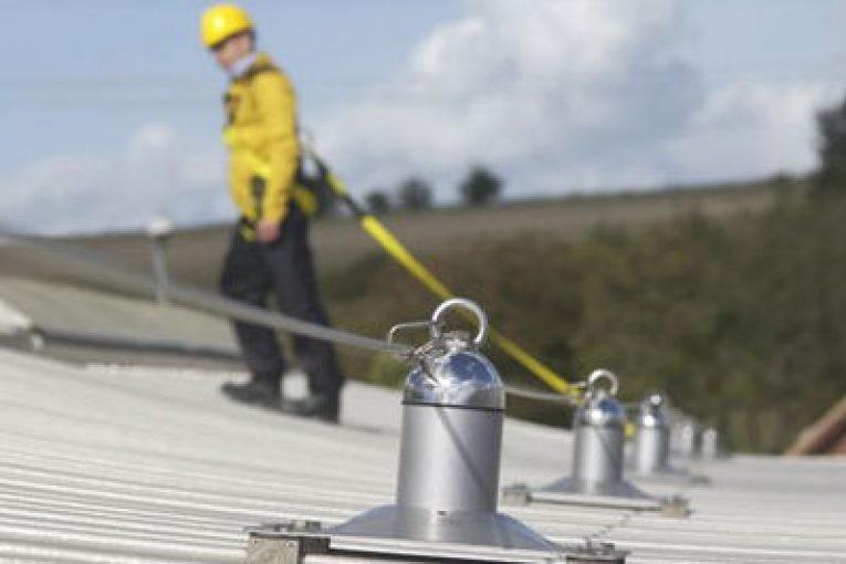 lavori-in-copertura-le-misure-di-prevenzione-proposte-da-inail